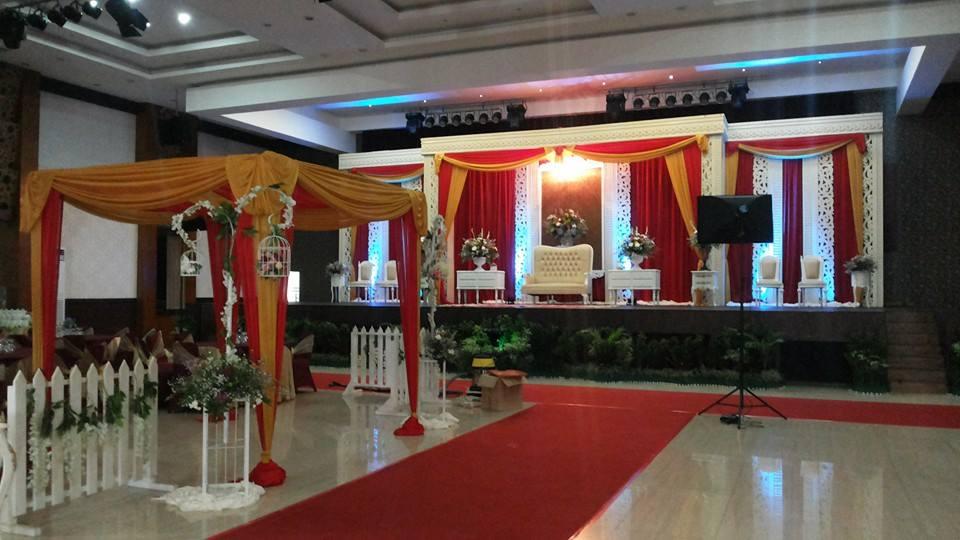 Foto de ProyaWedding ( Wedding organizer) pelaminan banjar